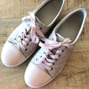 Ecco rose dust soft quilted tie fashion sneaker